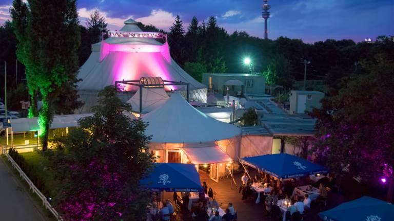 Das Schloss Eventlocation München und Livestream Bühne